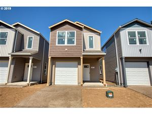 Photo of 819 SE 148th AVE, Portland, OR 97233 (MLS # 19137680)