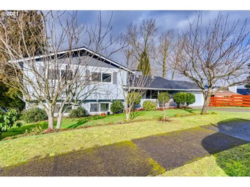 Photo of 3123 SW FLORIDA CT, Portland, OR 97219 (MLS # 21314681)