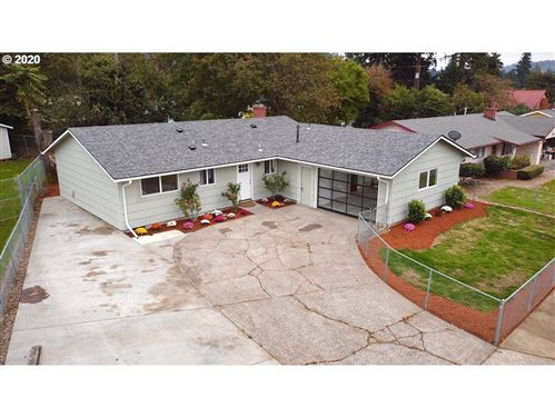 Photo of 3908 SE 133RD AVE, Portland, OR 97236 (MLS # 20416682)