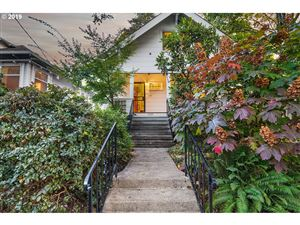 Photo of 3054 SE CARUTHERS ST, Portland, OR 97214 (MLS # 19519683)