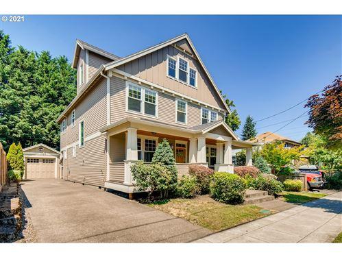 Photo of 1333 SE SPOKANE ST, Portland, OR 97202 (MLS # 21346683)