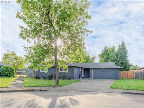 Photo of 532 S 51ST PL, Springfield, OR 97478 (MLS # 20106685)