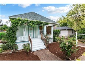 Photo of 8520 N CHARLESTON AVE, Portland, OR 97203 (MLS # 19072687)