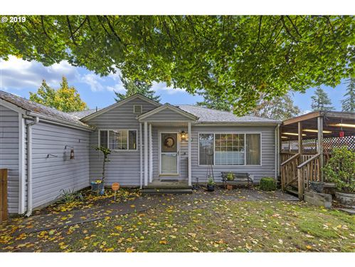 Photo of 1370 SE 117TH AVE, Portland, OR 97216 (MLS # 19597689)