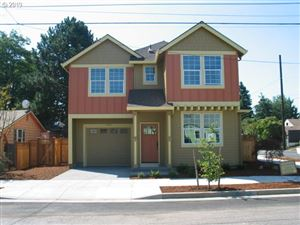 Photo of 7402 SE Evergreen AVE, Portland, OR 97206 (MLS # 19303691)