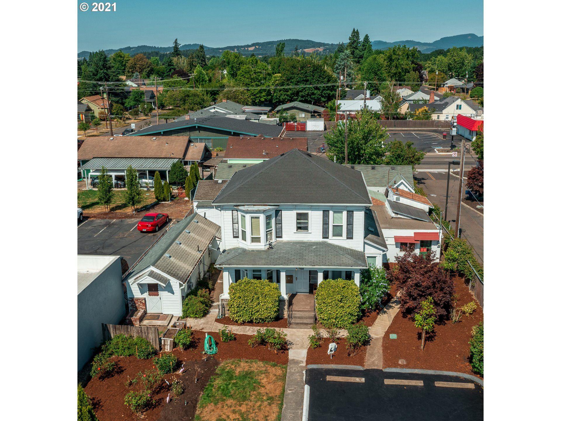 Photo of 1121 NE BAKER ST NE, McMinnville, OR 97128 (MLS # 21471691)
