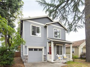 Photo of 8053 SE 57TH AVE, Portland, OR 97206 (MLS # 19297693)