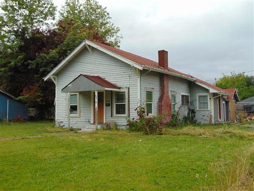 Photo of 11725 SW 9TH ST, Beaverton, OR 97005 (MLS # 21307693)