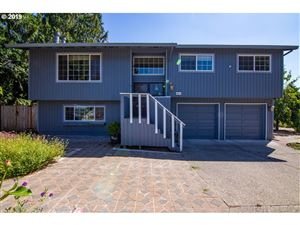 Photo of 2053 SE 112TH AVE, Portland, OR 97216 (MLS # 19149695)