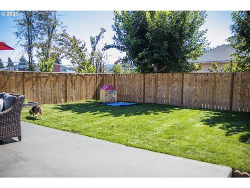 Tiny photo for 925 W OREGON AVE, Creswell, OR 97426 (MLS # 21629698)