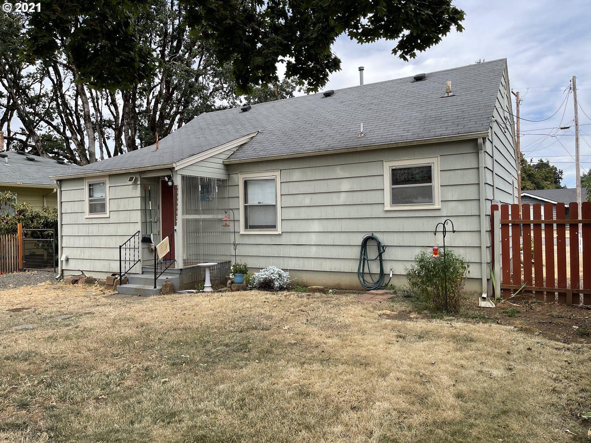 Photo of 375 SW MILL ST DALLAS OR 97, Dallas, OR 97338 (MLS # 21079701)