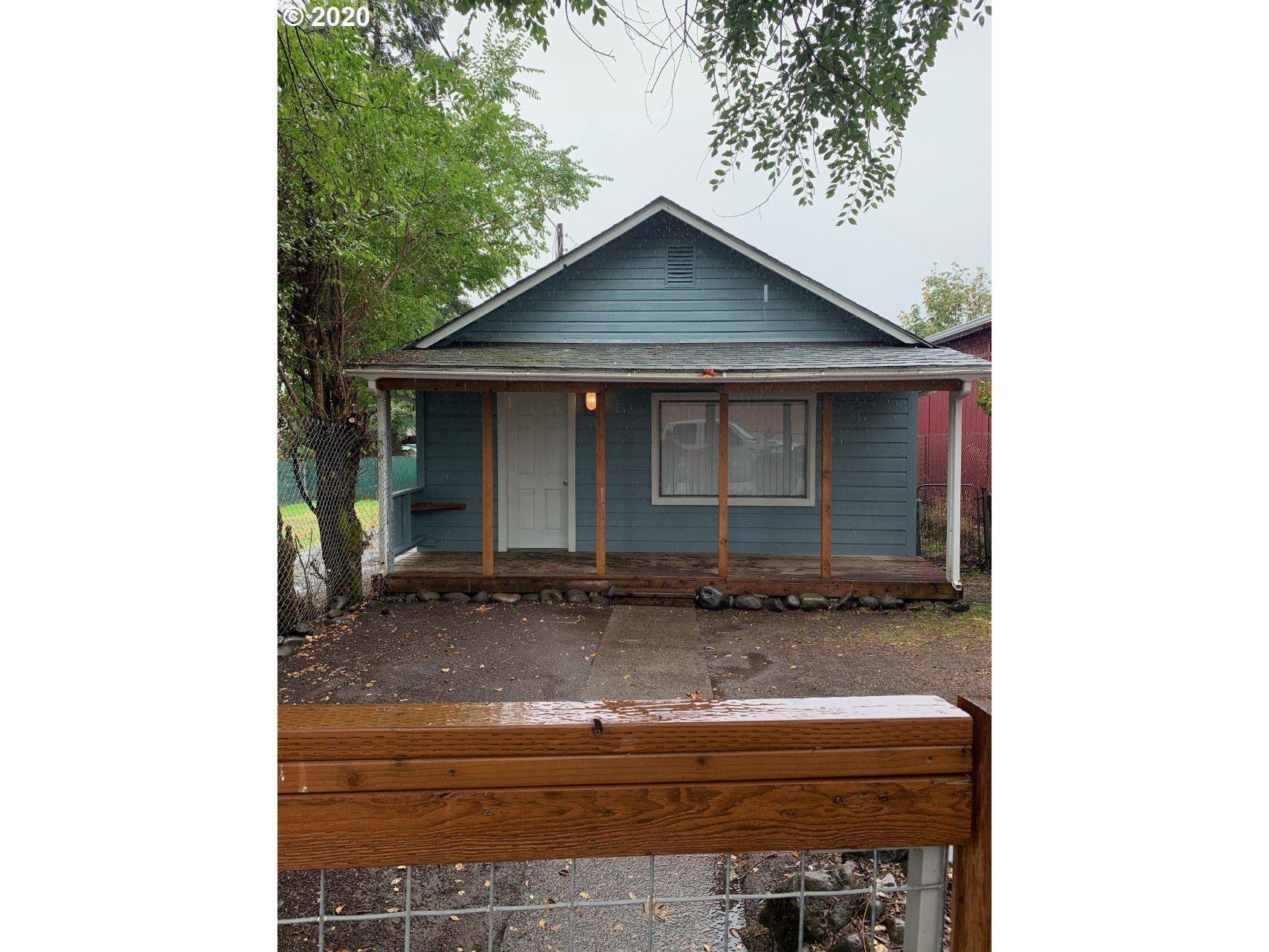 Photo for 76442 Pine ST, Oakridge, OR 97463 (MLS # 20381705)