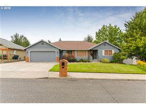 Photo of 7707 SE 110TH AVE, Portland, OR 97266 (MLS # 19459710)