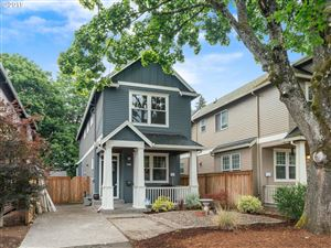 Photo of 6620 SE 66TH AVE, Portland, OR 97206 (MLS # 19032712)
