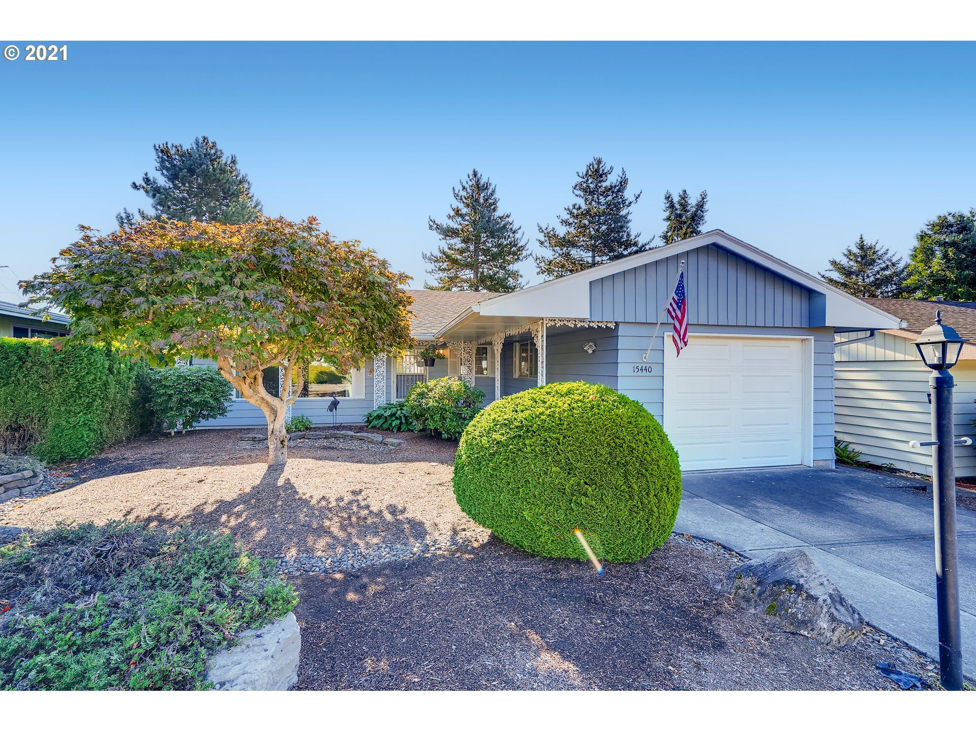 Photo of 15440 SW ROYALTY PKWY, King City, OR 97224 (MLS # 21695715)