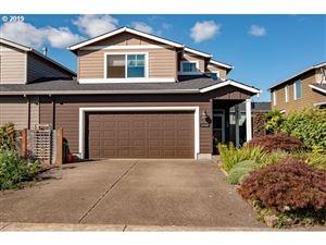 Photo of 33947 SE ROLLING HILLS DR, Scappoose, OR 97056 (MLS # 19355716)