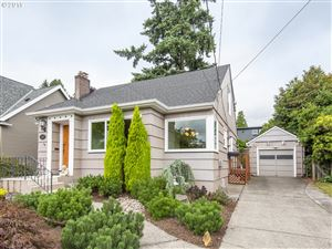 Photo of 7657 SE 19TH AVE, Portland, OR 97202 (MLS # 19572718)