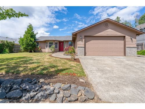 Photo of 1733 NE COBURN DR, McMinnville, OR 97128 (MLS # 21661718)