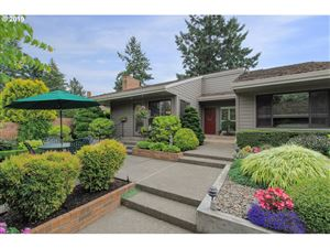 Photo of 7242 SW LAKE BLUFF CT, Wilsonville, OR 97070 (MLS # 19350723)