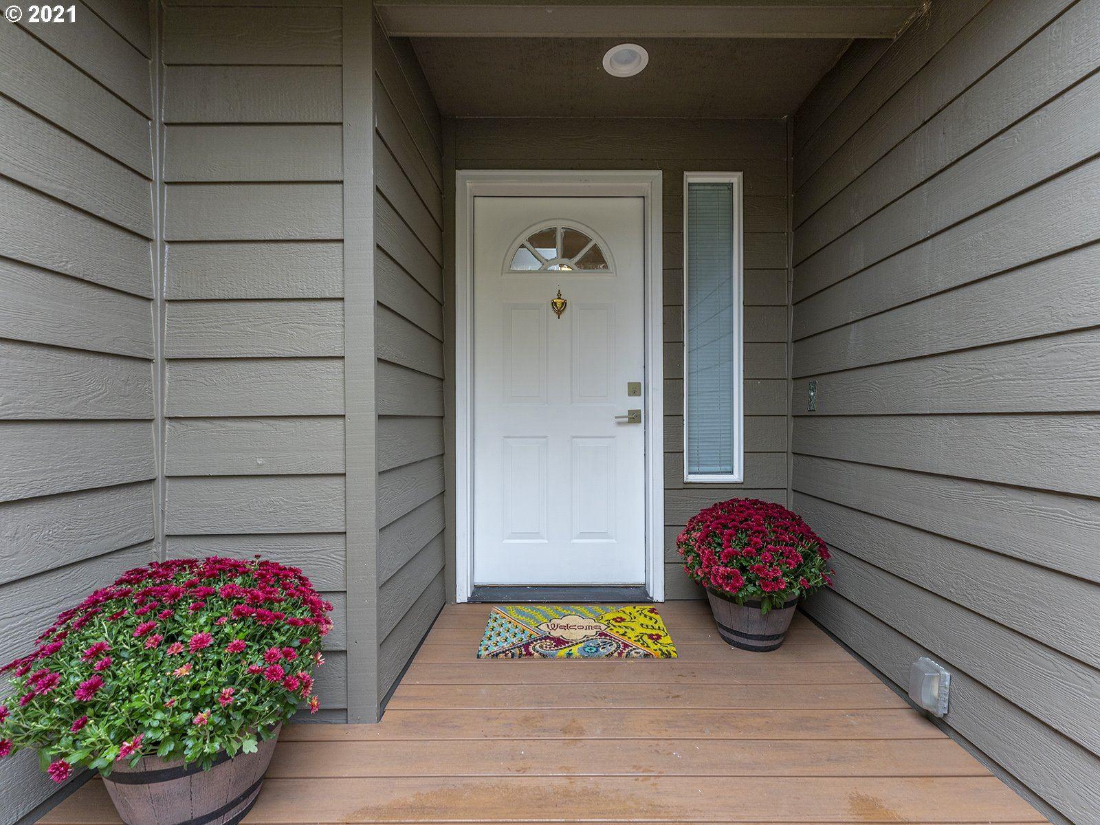Photo of 17572 SW OVIATT ST, Beaverton, OR 97007 (MLS # 21023726)