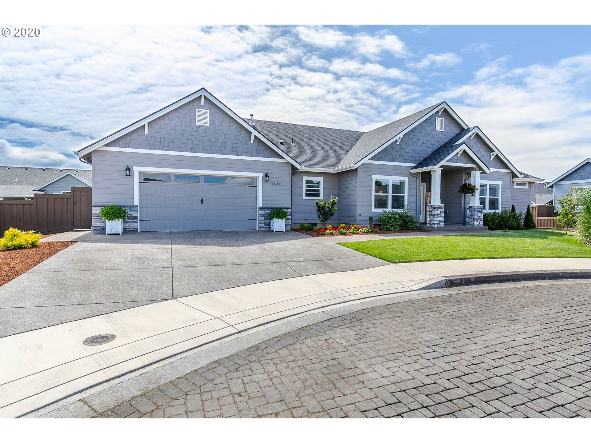 Photo for 94 HAGENS CT, Creswell, OR 97426 (MLS # 20580730)