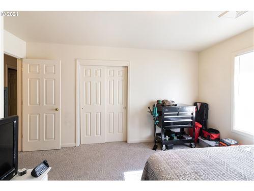 Tiny photo for 106 UMPQUA VIEW DR, Roseburg, OR 97471 (MLS # 21213734)