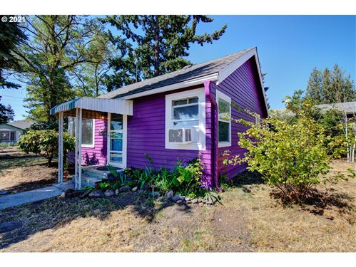 Photo of 7731 SE 62ND AVE, Portland, OR 97206 (MLS # 21393738)