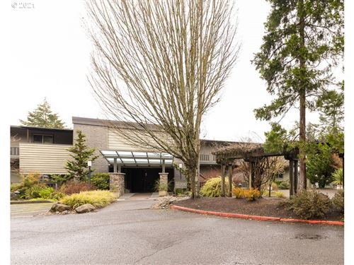 Photo of 16200 PACIFIC HWY #4, Lake Oswego, OR 97034 (MLS # 21360742)