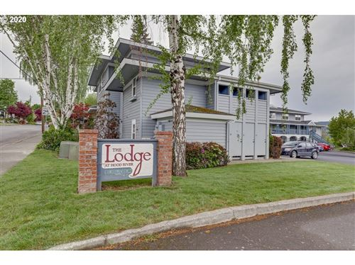 Photo of 714 CASCADE AVE #8, Hood River, OR 97031 (MLS # 20399746)