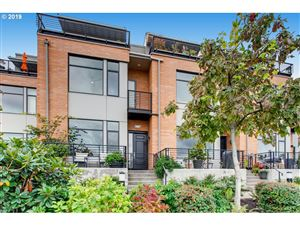 Photo of 1678 NW RIVERSCAPE ST, Portland, OR 97209 (MLS # 19034747)