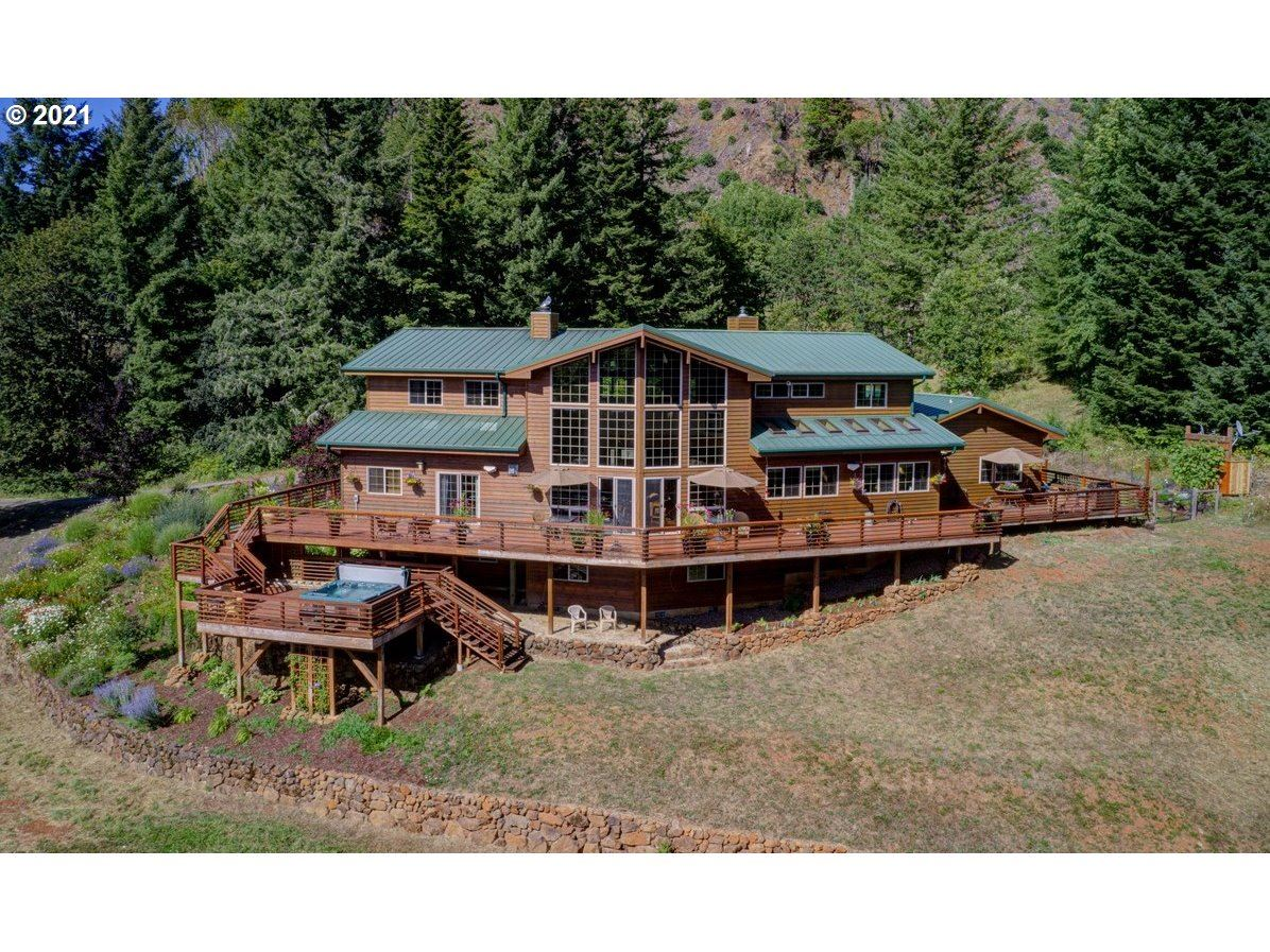 Photo of 6925 SW GOPHER VALLEY RD, Sheridan, OR 97378 (MLS # 21462747)
