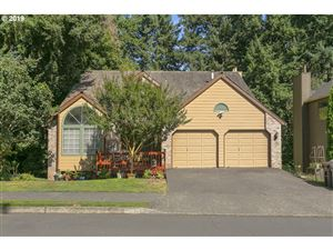 Photo of 2327 ATHENA RD, West Linn, OR 97068 (MLS # 19100750)