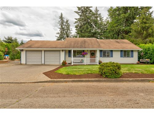 Photo of 11606 SALMONBERRY DR, Oregon City, OR 97045 (MLS # 20590754)