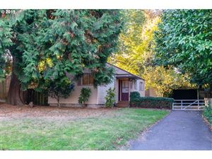 Photo of 4032 SE TIBBETTS ST, Portland, OR 97202 (MLS # 19538757)