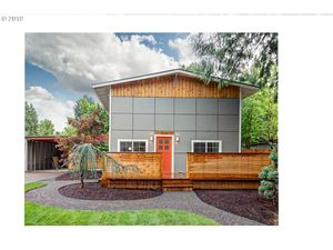 Photo of 3220 SE 164TH AVE, Portland, OR 97236 (MLS # 19101758)