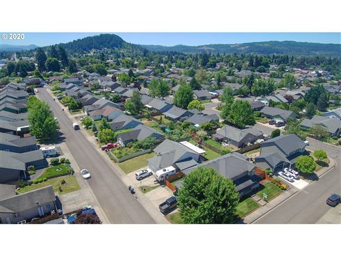 Tiny photo for 779 BLUE JAY LOOP, Creswell, OR 97426 (MLS # 20656759)