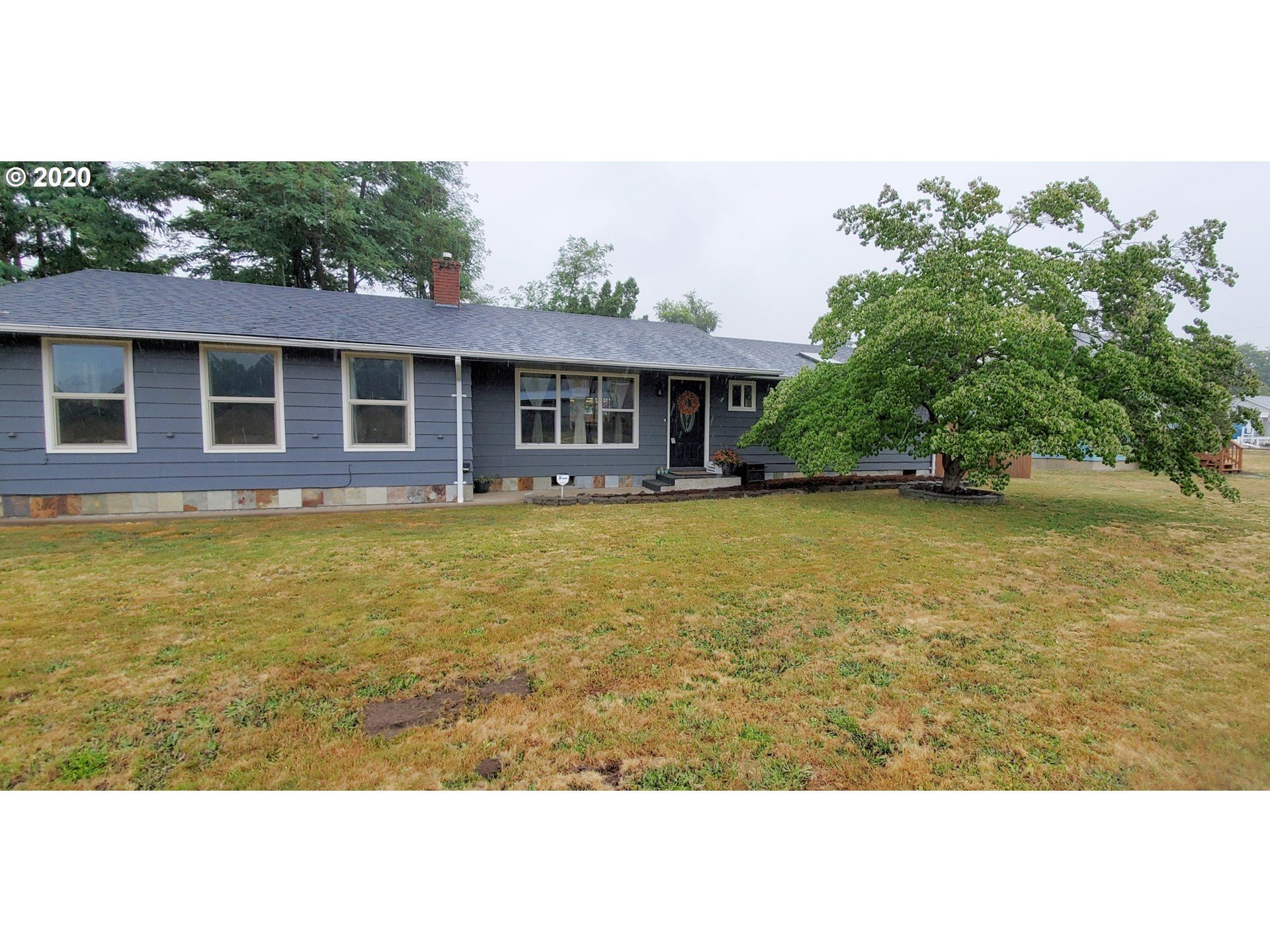 Photo for 770 W OREGON AVE, Creswell, OR 97426 (MLS # 20541759)