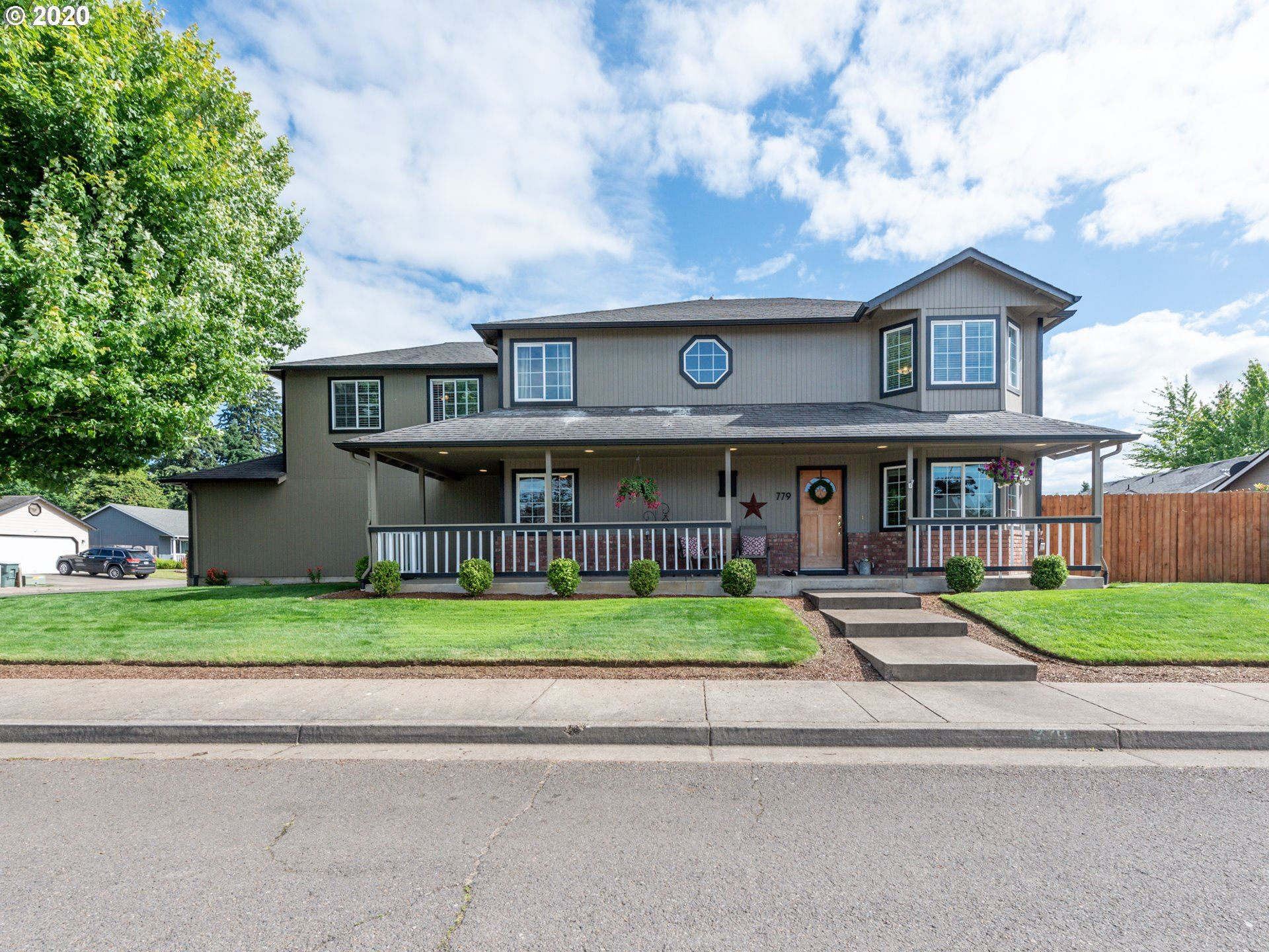 Photo for 779 BLUE JAY LOOP, Creswell, OR 97426 (MLS # 20656759)