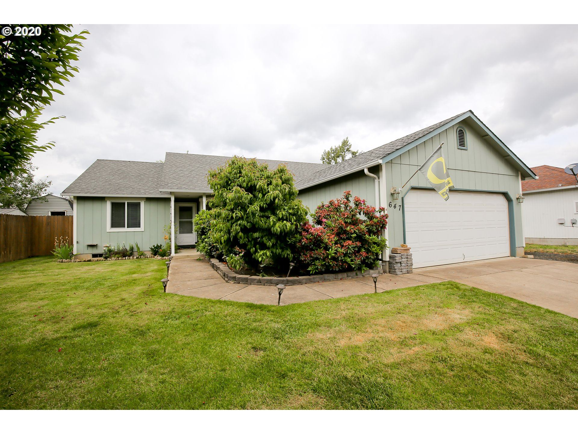 Photo for 647 BLUE JAY LOOP, Creswell, OR 97426 (MLS # 20166760)