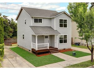 Photo of 8253 N BLISS ST, Portland, OR 97203 (MLS # 19684763)