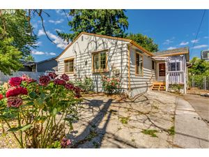 Photo of 2866 SE 85TH AVE, Portland, OR 97266 (MLS # 19558766)