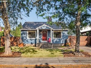 Photo of 7852 SE 68TH AVE, Portland, OR 97206 (MLS # 19228767)