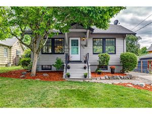 Photo of 4528 SE 33RD PL, Portland, OR 97202 (MLS # 19662768)