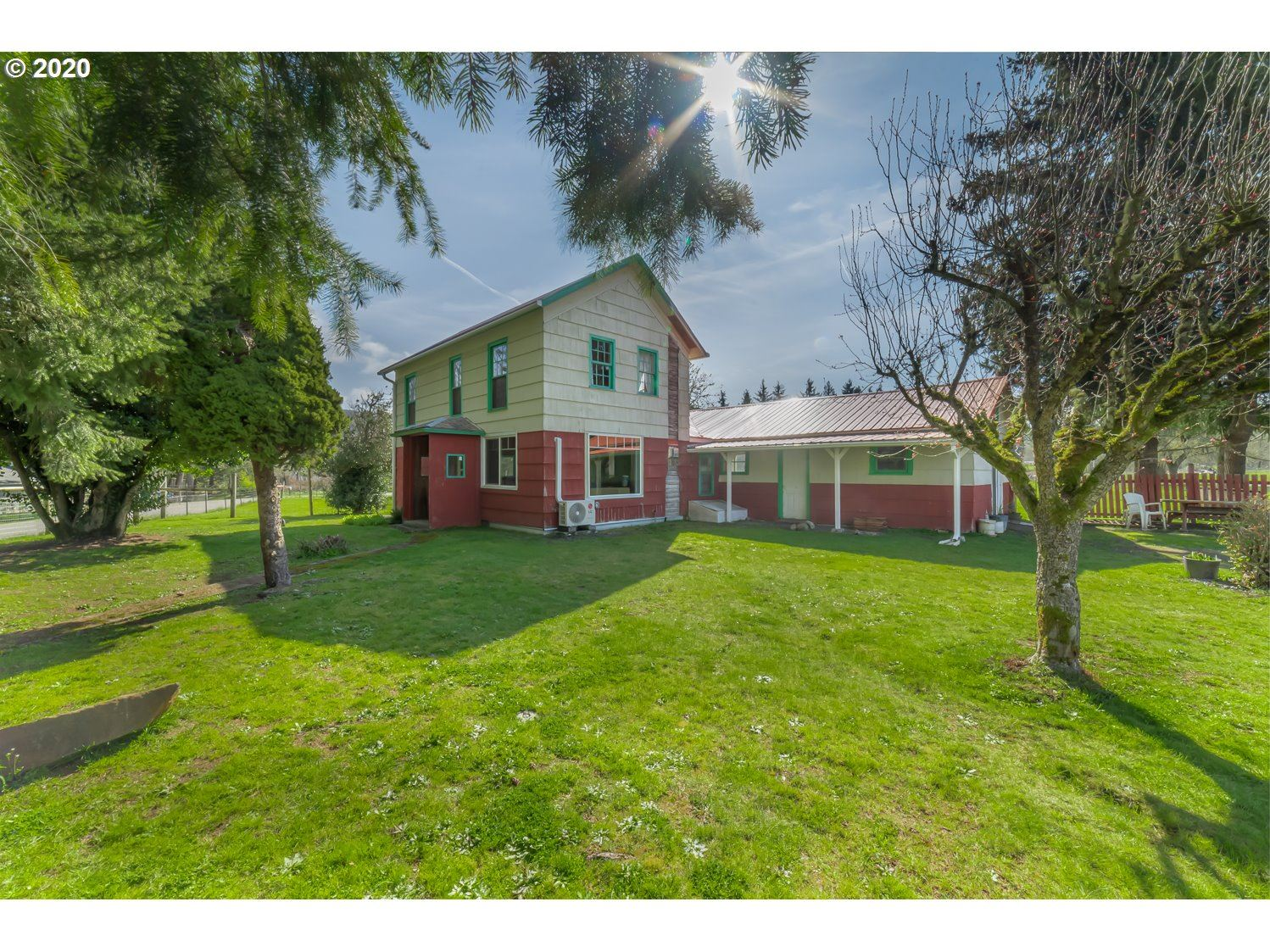 Photo for 82260 LOST VALLEY LN, Dexter, OR 97431 (MLS # 20037768)