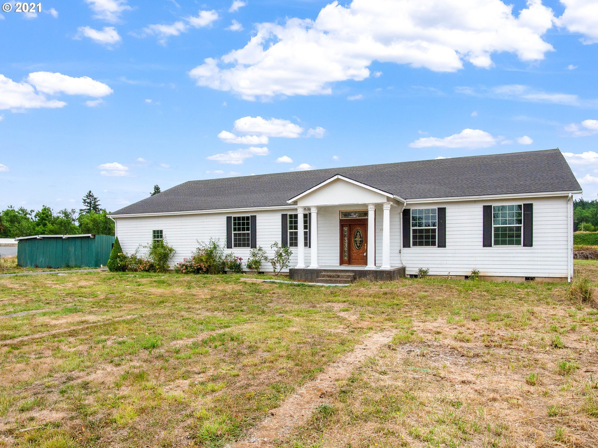 Photo of 24750 S BLUNDELL RD, Canby, OR 97013 (MLS # 21315768)