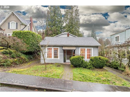 Photo of 2825 SW MONTGOMERY DR, Portland, OR 97201 (MLS # 20665770)