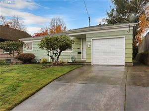 Photo of 4628 SE 30TH AVE, Portland, OR 97202 (MLS # 19214776)