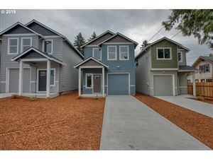 Photo of 2734 SE 84th AVE, Portland, OR 97266 (MLS # 19356778)