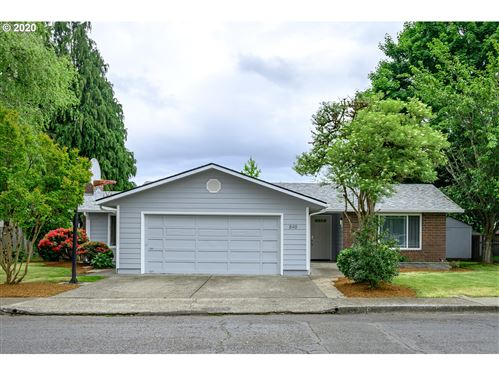Photo of 848 NE 26TH ST, McMinnville, OR 97128 (MLS # 20375778)