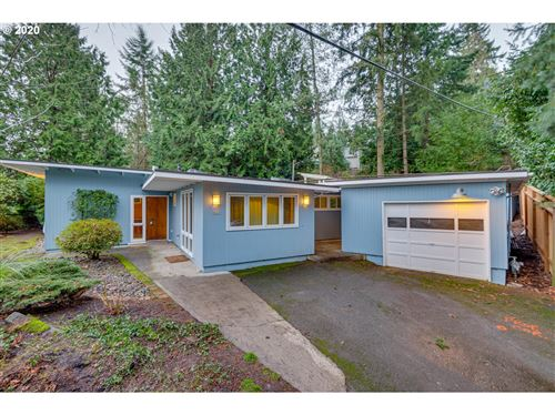 Photo of 9609 SW LANCASTER RD, Portland, OR 97219 (MLS # 20670779)